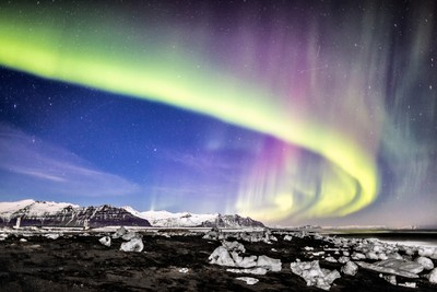 SteveDondero_Iceland_AuroraOnBeach