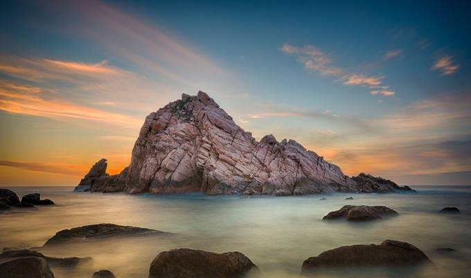 Sugarloaf Rock by timpryce - HDR Landscapes Photo Contest