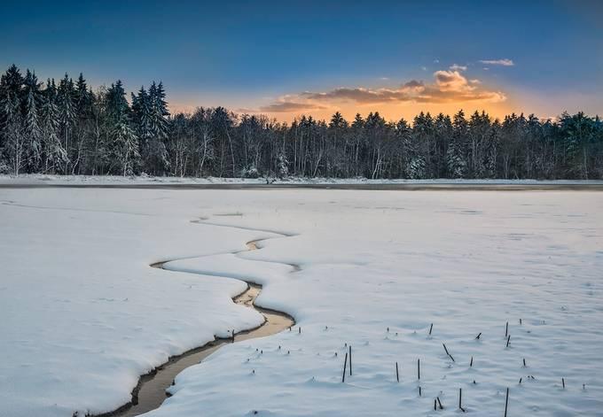 Frozen lake by saintek - Curves And Compositions Photo Contest