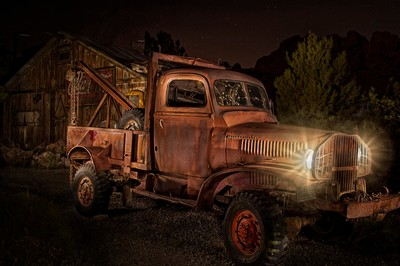 Old Truck Light Painting