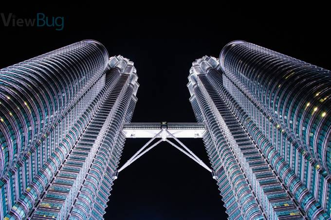 The Petronas Towers by robhudson - Skywards Photo Contest