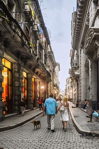 A walk trough Havana