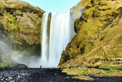 Towering Falls