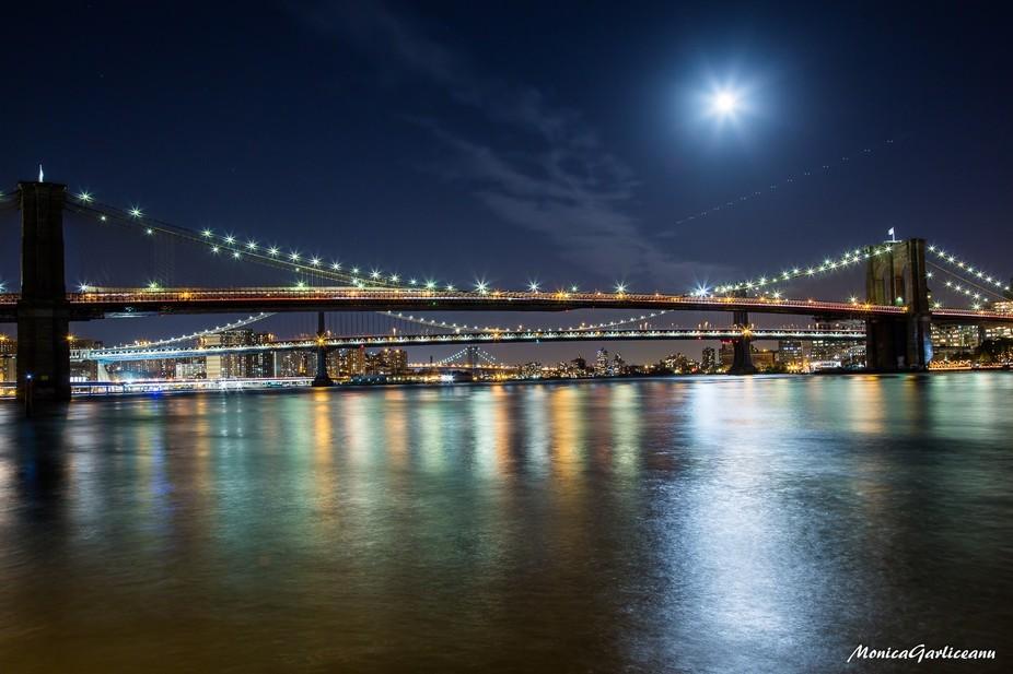 View of Brooklyn Bridge, Manhattan Bridge and Williamsburg Bridge (BMW).