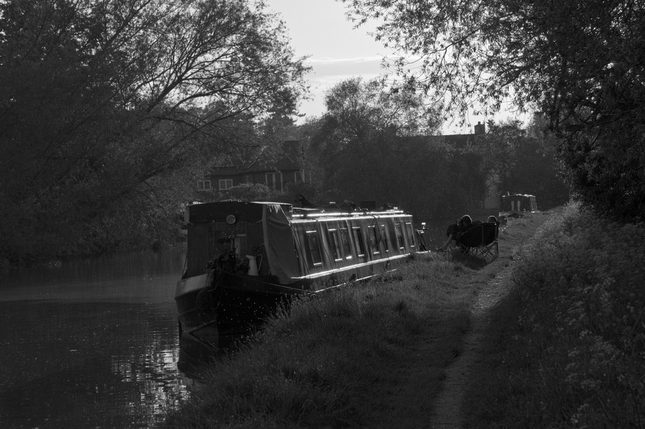 canal_rest_bw