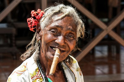Cuban Cigar Lady