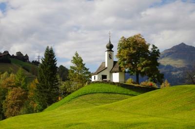 Kleine Kirche in den Bergen1