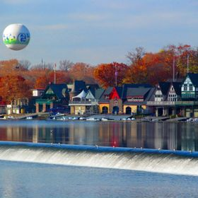 6ABC Zoo Balloon towering over Boathouse row in Philly.