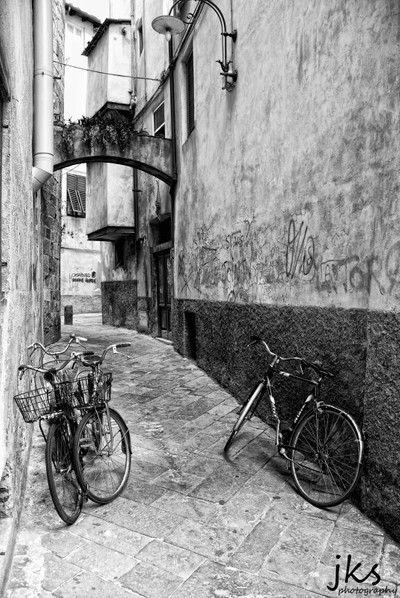 Lucca Side Street