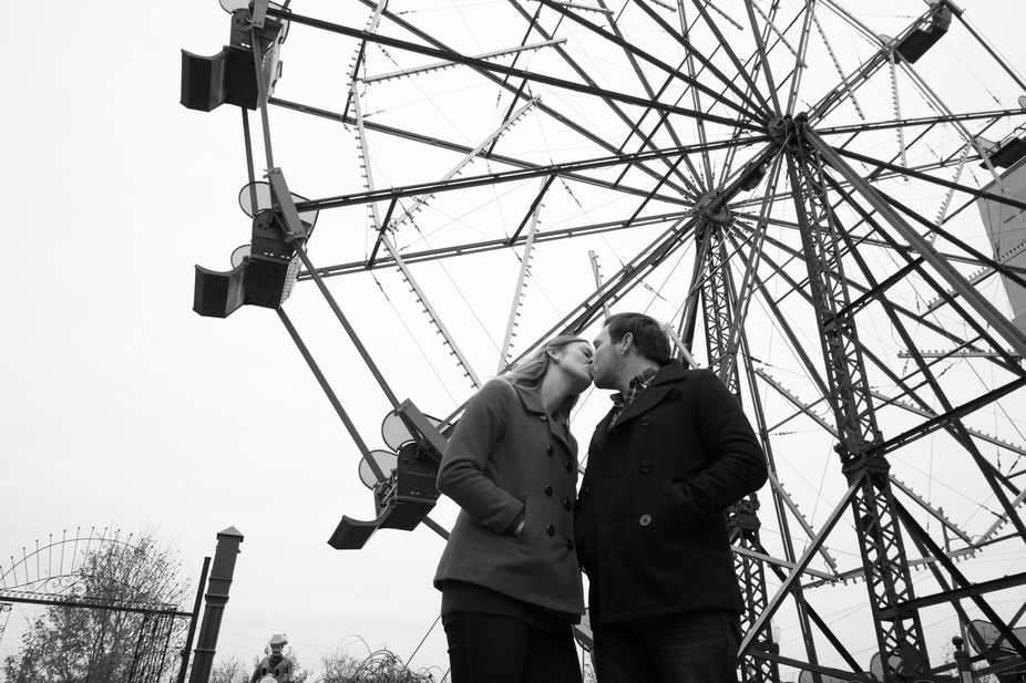the kiss and the Ferris wheel