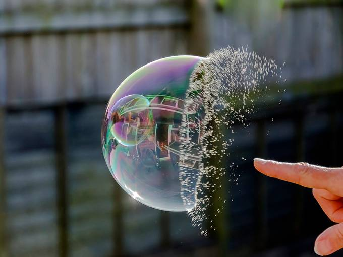 Incredible High Speed Shots Photo Contest Finalists Blog - High speed liquid bubble photography