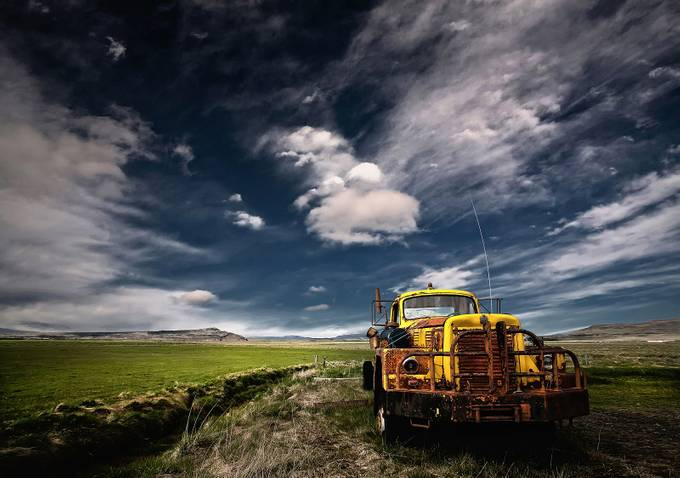 Yellow Truck by Structor - Trucks Photo Contest