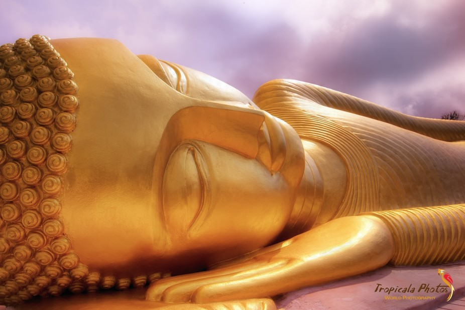 This beautiful lying Buddha can be found on the hills of Koh Samui somewhere between Maenam and L...