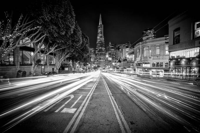 TransAmerica Landscape Black and White 1 (1 of 1) by jaredweaver - Composing with Diagonals Photo Contest