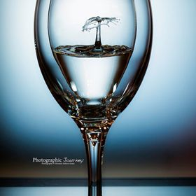 Wine glass drop /splash art.