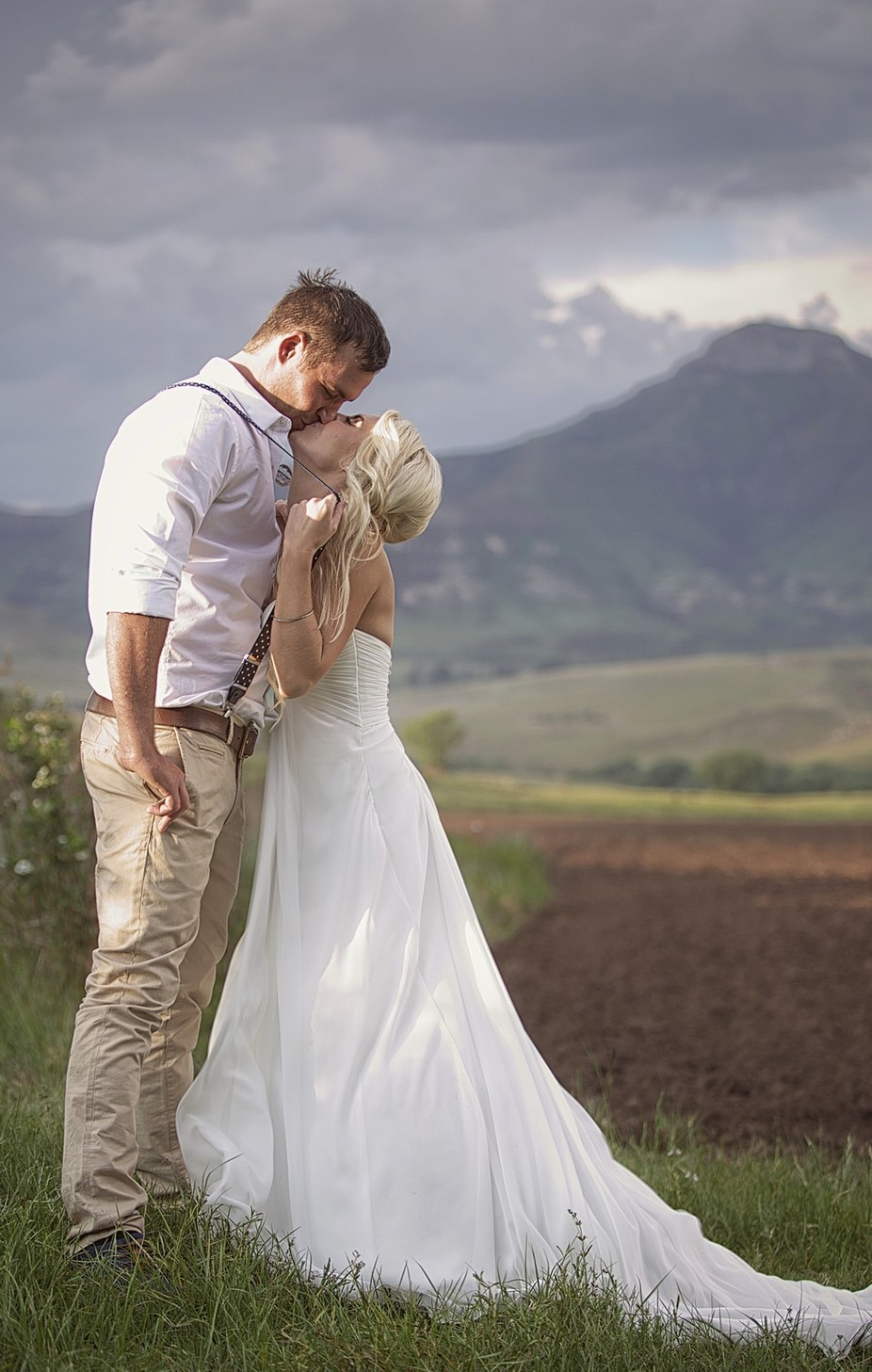Stolen Kiss by JohnFilmalter - Couples In Love Photo Contest