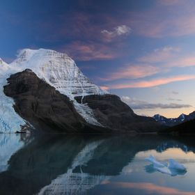 A gorgeous sunset of Berg Lake, Berg Glacier on the left, Mist Glacier on the right and the magnificent Mt Robson (3954m). At night you can hear ...