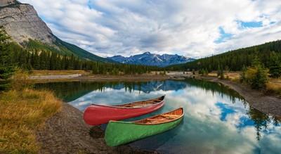 Canoe adventure near Cascade Pond
