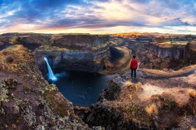 Overlooking Palouse Falls in Washington by Michael Matti
