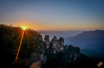 Sunrise at Echo Point
