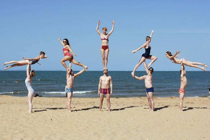 Beachobatics. Group pyramid. by jessymay