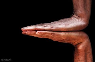 Horizontal Hands