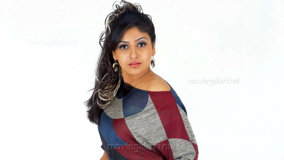 tamil_actress_monica_wallpapers_6882