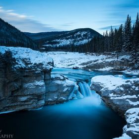The last sunrise of 2014 at Elbow falls