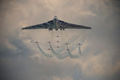 Vulcan Bomer And The  Red Arrows