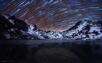 Mirror of mountains night