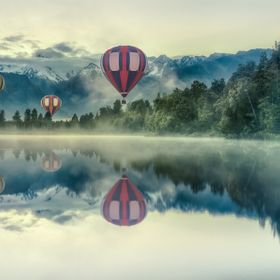 On early mornings, when the water is completely smooth, you can see Mount Cook reflect in the Lake matheson. These balloons did not come from aro...