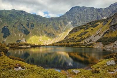 Blind Lake and Boulders