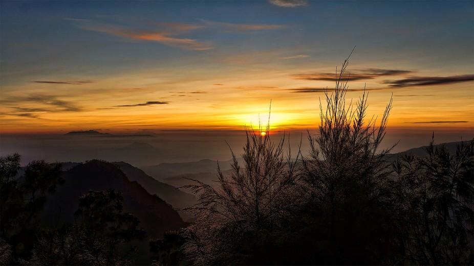 sun rise.jpg.sb-04eb8f6f-dqKgZg