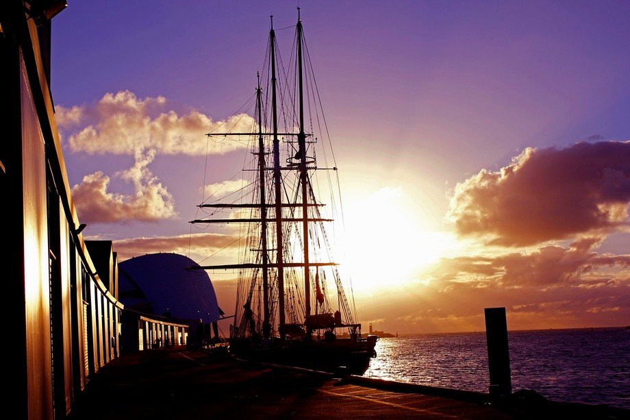 Leeuwin replica at the port of Fremantle