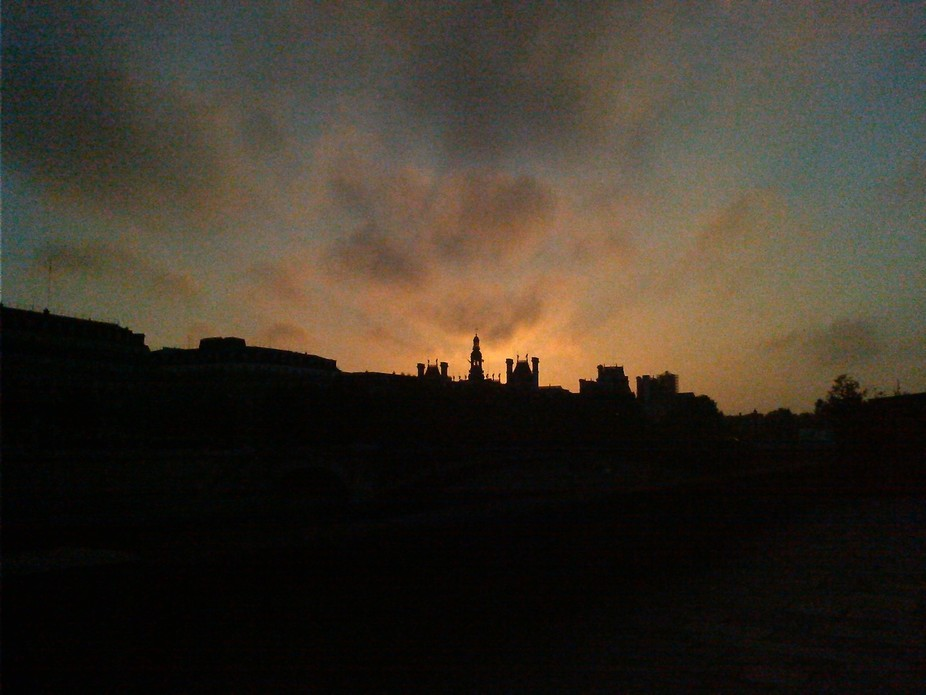 ( Dawn of Paris, 2014)