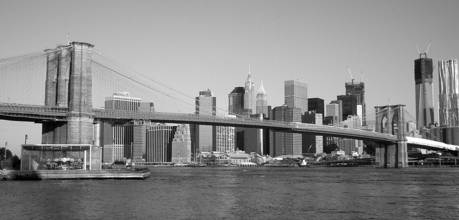 A walk down to the waters edge gave me a view of the Brooklyn Bridge with the City in the background