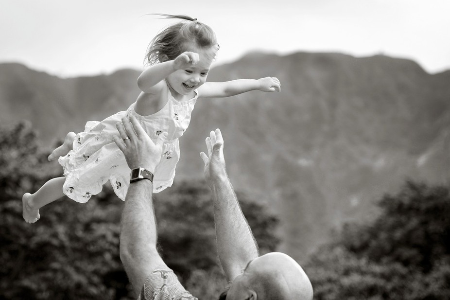 Joyful family moments on the island of Oahu.   Pat Corlin Photography All Rights Reserved www.Pat...