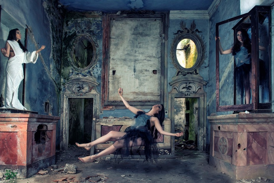 Series for a Music CD Model: Elisa Desoire Make up: Annalisa Queen Styling: Cinzia Dell\'Omo