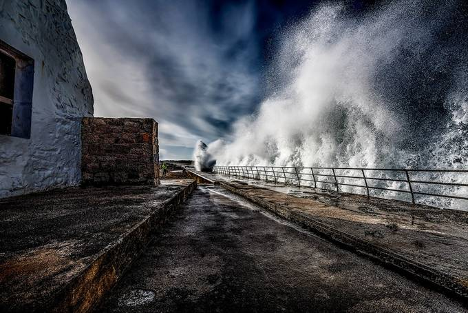 Whitehouse Waves by NickVenton - Rails and Fences Photo Contest