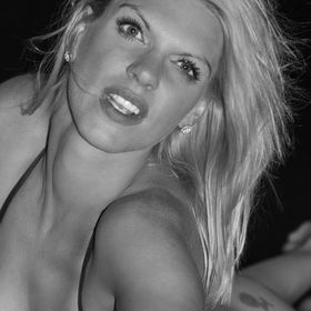 B&W Photo of the Orange Bikini Girl Shoot