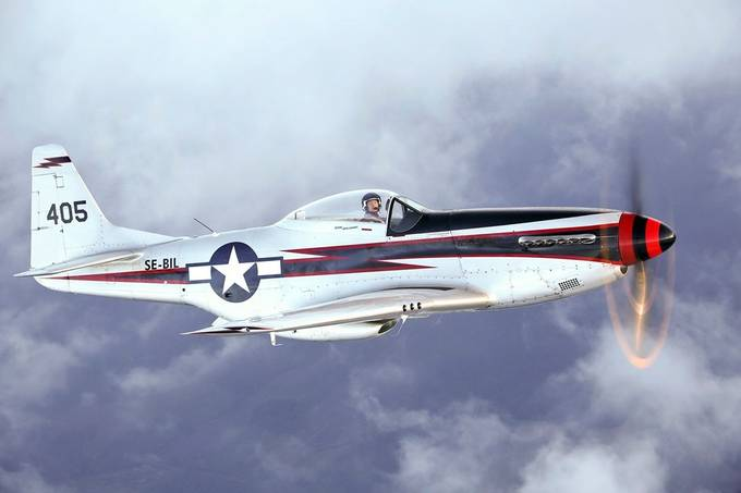 North American P-51D Mustang by pilapix