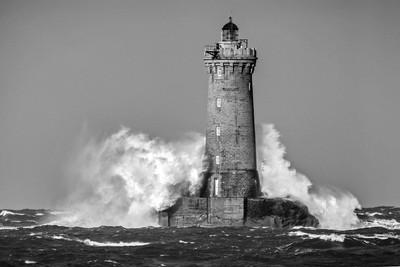Light House Wave