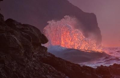 Wave Break on the Napali Coast, Hawaii