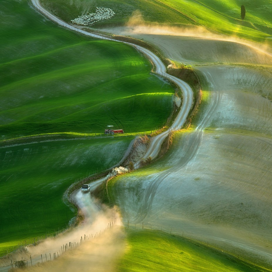 Pick-up... by kbrowko - Composition And Leading Lines Photo Contest