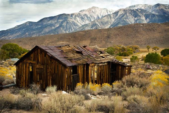 Benton Hot Springs Ghost House by RyanHuebelPhotography - Isolated Cabins Photo Contest