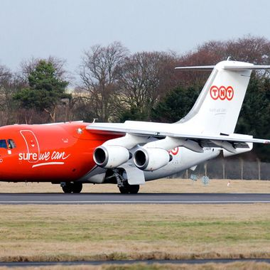 Last flight of BAE146 from TNT in for refuelling on its way th USA