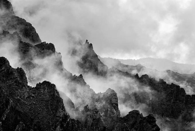 devils-backbone by rgmoore - Black And White Mountain Peaks Photo Contest