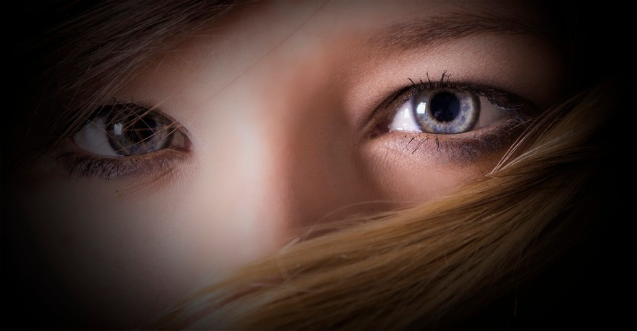 The intence eyes of a Young girl