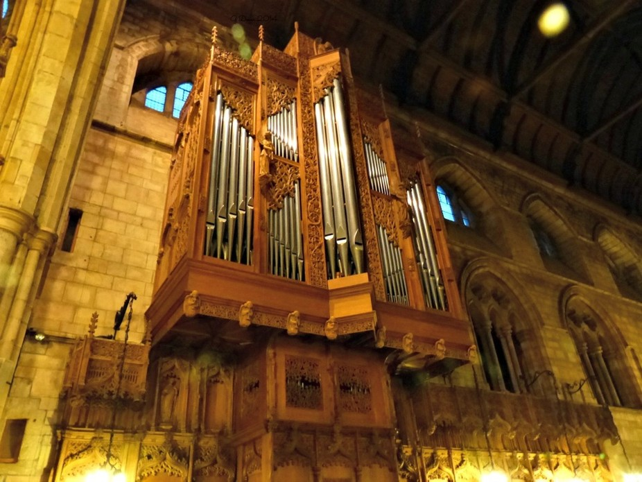 the organ at Dunblane Cathedral