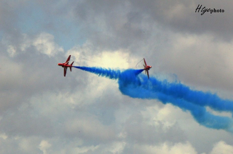 red arrows split